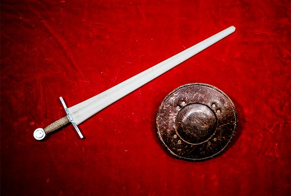 ソードとバックラー(盾) Sword and Buckler/Shield